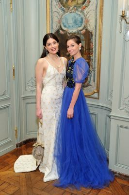 elise taylor in New York's Chicest Young Socialites Stun At The 2019 Frick Young Fellows Ball