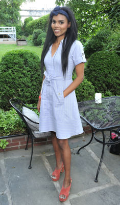 kemi areke in New York Junior League's Belmont Stakes Party