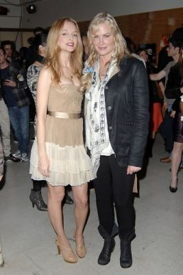 Heather Graham Pops Into Manifest Equality Pop-up