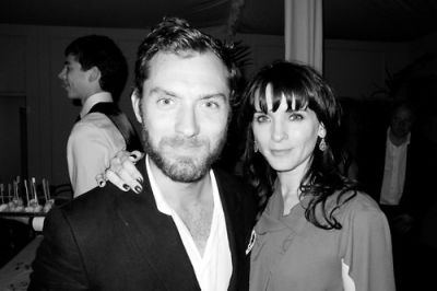 Jude Law, Michelle Hicks