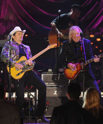 Brad Paisley, Joe Walsh