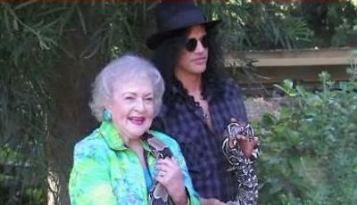 Betty White, Slash