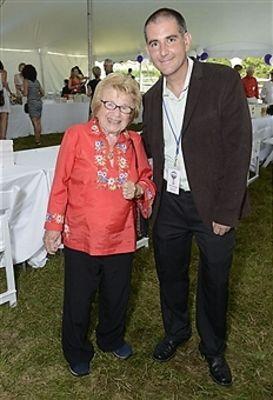 Dr Ruth Westheimer, Dennis Fabiszak