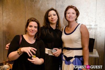 Carolyn Davis, Laura Hill, Kate Hollanda