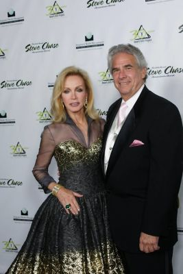 Donna Mills, Richard Holland