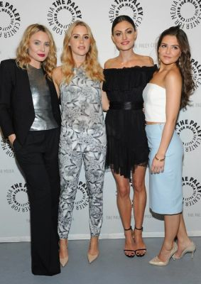 Leah Pipes, Claire Holte, Phoebe Tonkin, Danielle Campbell
