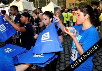 analeigh tipton in Amer. Heart Assoc. Wall Street Run and Heart Walk - gallery 3