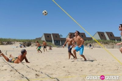 kelly slater in The Sloppy Tuna Summer Olympics Beach Volleyball Tournament