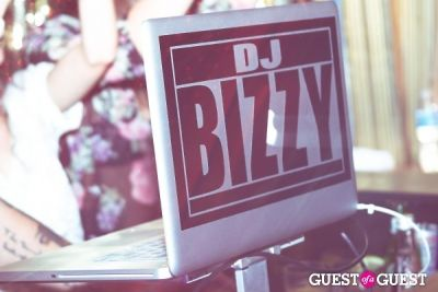 CLOVE CIRCUS @ BOOTSY BELLOWS: DJ BIZZY