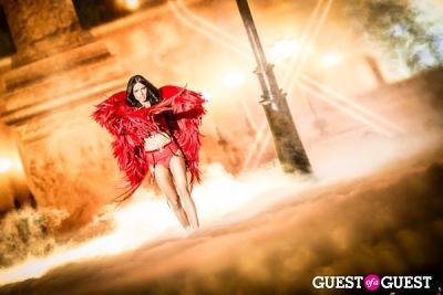 adriana lima in Victoria's Secret Fashion Show 2013