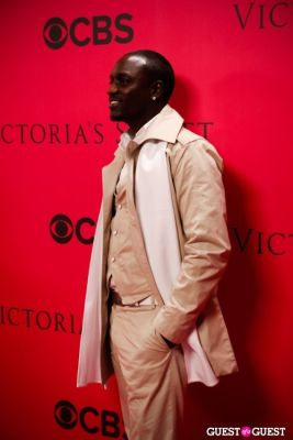 akon in 2010 Victoria's Secret Fashion Show Pink Carpet Arrivals