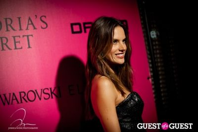 alessandra ambrosio in Victoria's Secret 2011 Fashion Show After Party