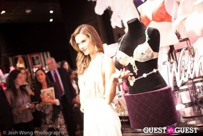 Victoria's Secret Angel Alessandra Ambrosio Reveals the Floral Fantasy Bra by Lodon Jewelers