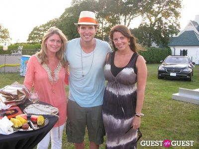 jamie dyce in Hamptons Magazine Annual Clam Bake