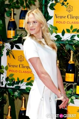 anne vyalitsyna in Veuve Clicquot Polo Classic 2013