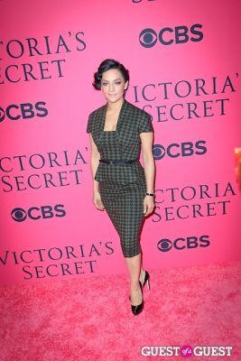 archie panjabi in 2013 Victoria's Secret Fashion Pink Carpet Arrivals