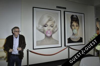 atmosphere in Mouche Gallery Presents the Opening of Artist Clara Hallencreutz's Exhibit