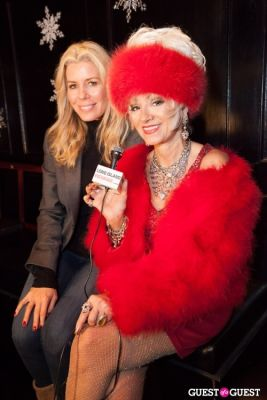 aviva drescher in Cupcakes that Care Holiday Launch Party