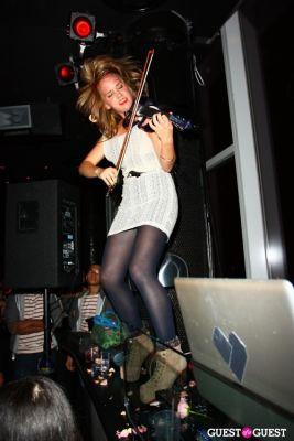 caitlin moe in Garnier & Rolling Stone kick off Music Unites Women's Empowerment