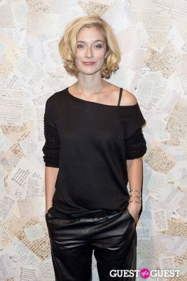 caitlyn fitzgerald in Alice and Olivia Presentation