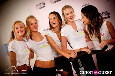 lindsay ellingson in Victoria's Secret Angels Gear Up For a Supermodel Ride Soulcycle to Benefit Pelotonia