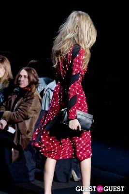 cara delevingne in Diane von Furstenberg FW13 Show
