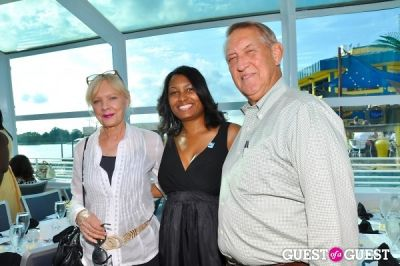 liz cammack in DC Quality Trust's Cruisin' For A Cause