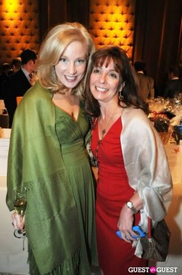 carolyn koschnick in New York Junior League's 11th Annual Spring Auction