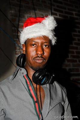 dj serebe in Day & Night Brunch @ Revel 19 Dec 09