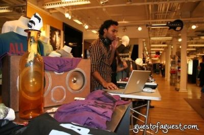 dj shaun-pazel in Unruly Heir Fall Collection