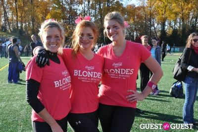 dana richardson in Blondes vs. Brunettes