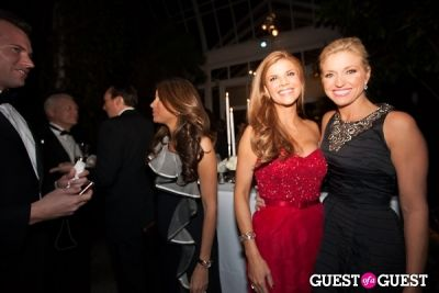 ainsley earhardt in New York Botanical Garden Winter Wonderland Ball