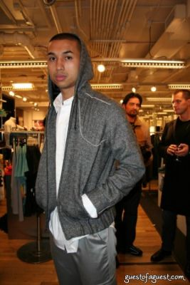 drew de-leon in Unruly Heir Fall Collection