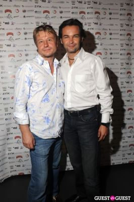 ed romanov in Fashion Fights Cancer 2010