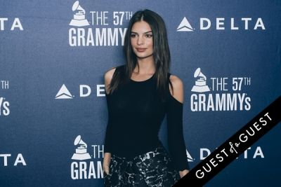 emily ratajkowski in Delta Air Lines Kicks Off GRAMMY Weekend With Private Performance By Charli XCX & DJ Set By Questlove