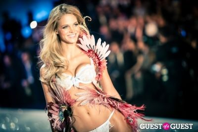 erin heatherton in Victoria's Secret Fashion Show 2013