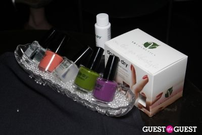 esnavi live in Launch Party: Esnavi Live Nail Polish Collection by Dazzle Dry