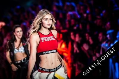 gigi hadid in Victoria's Secret Fashion Show 2015