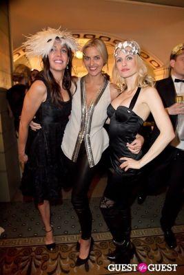 genevieve bahrenburg in Save Venice's Un Ballo in Maschera – The Black & White Masquerade Ball