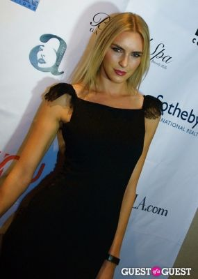 holly ridings in Legion of Hope Fashion and Awards Gala