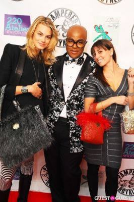 malik in PAMPERED ROYALE BY MALIK SO CHIC Fall 2011 Handbag Launch