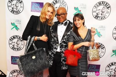 isabelle bscher in PAMPERED ROYALE BY MALIK SO CHIC Fall 2011 Handbag Launch