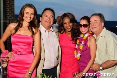 sarah hillware in Sip With Socialites July Luau Happy Hour