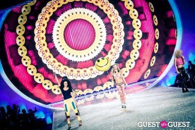 jessica hart in Victoria's Secret Fashion Show 2013