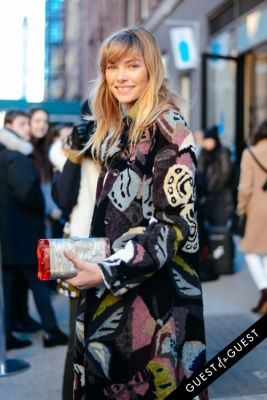 jessica hart in NYFW Street Style Day 1