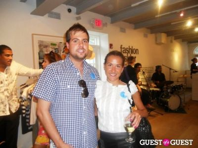 joey hodges in Theory East Hampton Style-Off