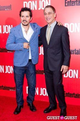 john leguizamo in Don Jon Premiere