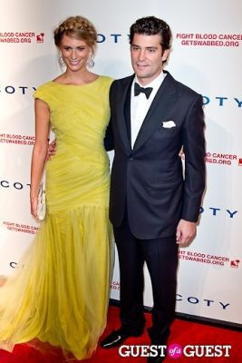 julie henderson in The 6th Annual DKMS Linked Against Blood Cancer Gala