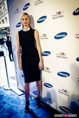 karolina kurkova in Samsung Hope For Children Gala 2013