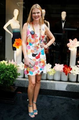 kate schelter in Shanghai Tang Boutique Opening